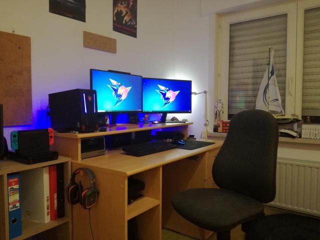 PC_Desk_139_57.jpg