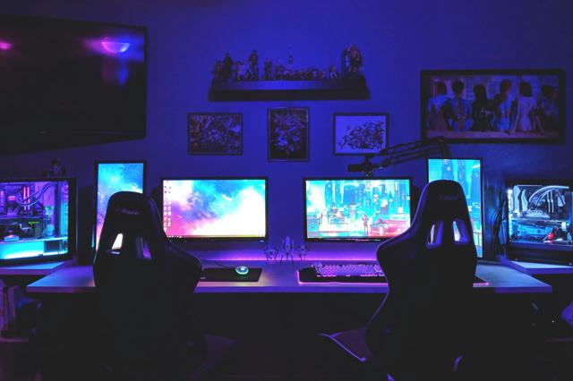 PC_Desk_139_74.jpg