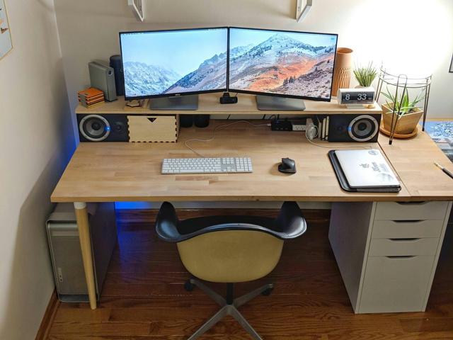 PC_Desk_139_86.jpg