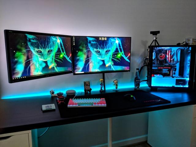 PC_Desk_139_89.jpg