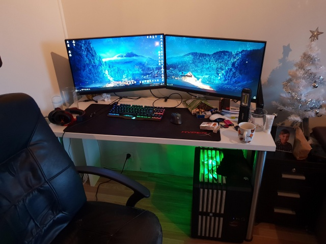 PC_Desk_139_92.jpg