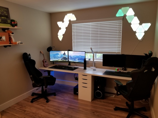PC_Desk_140_03.jpg