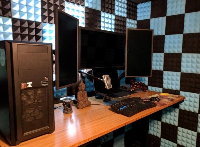 PC_Desk_140_14.jpg