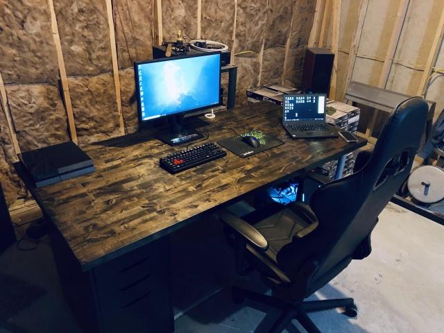 PC_Desk_140_15.jpg