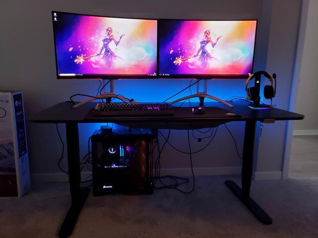 PC_Desk_140_18.jpg