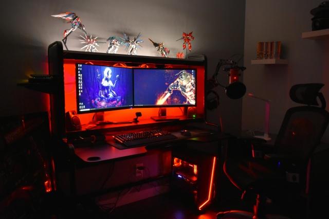 PC_Desk_140_21.jpg