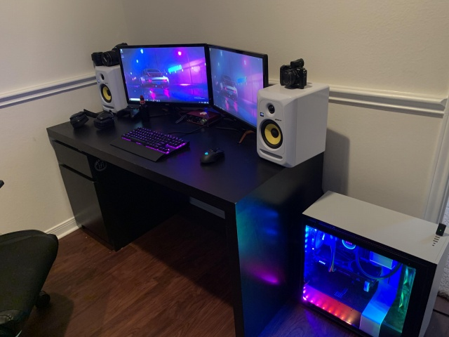 PC_Desk_140_26.jpg