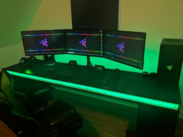 PC_Desk_140_49.jpg