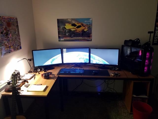 PC_Desk_140_61.jpg