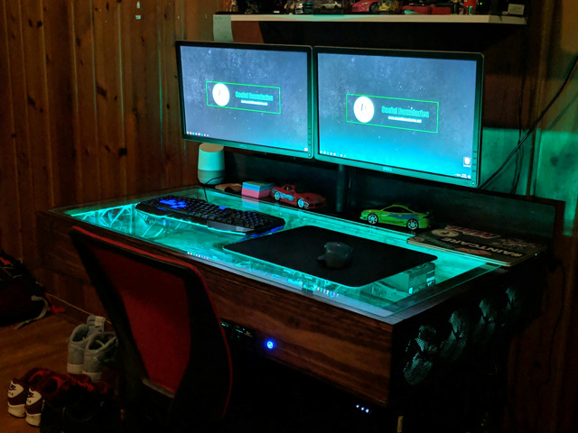 PC_Desk_140_62.jpg