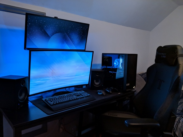 PC_Desk_140_63.jpg