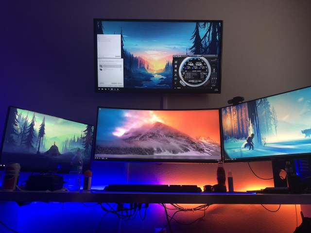 PC_Desk_140_67.jpg