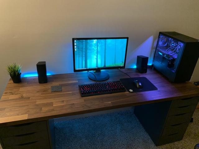 PC_Desk_140_84.jpg