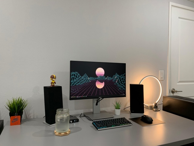 PC_Desk_141_100.jpg