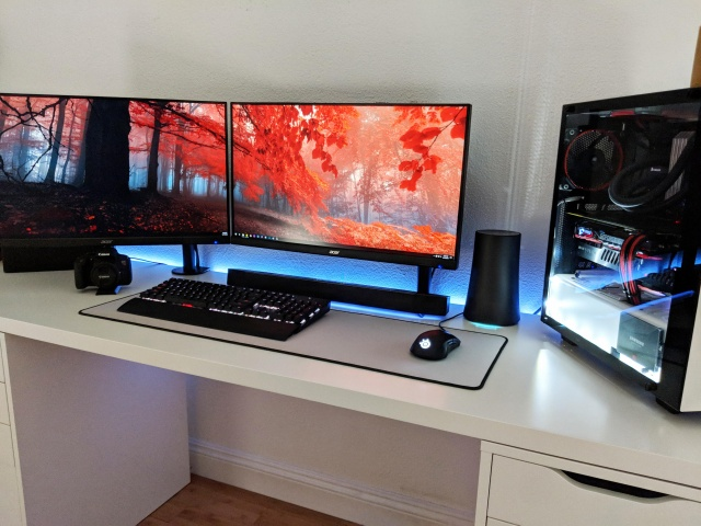 PC_Desk_141_13.jpg