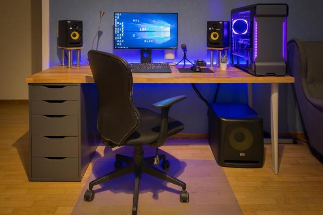 PC_Desk_141_26.jpg