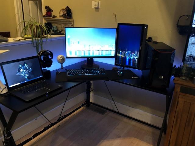 PC_Desk_141_42.jpg