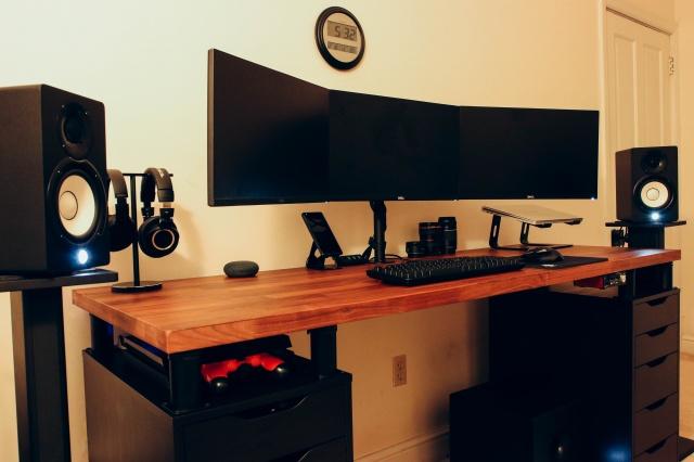 PC_Desk_141_47.jpg
