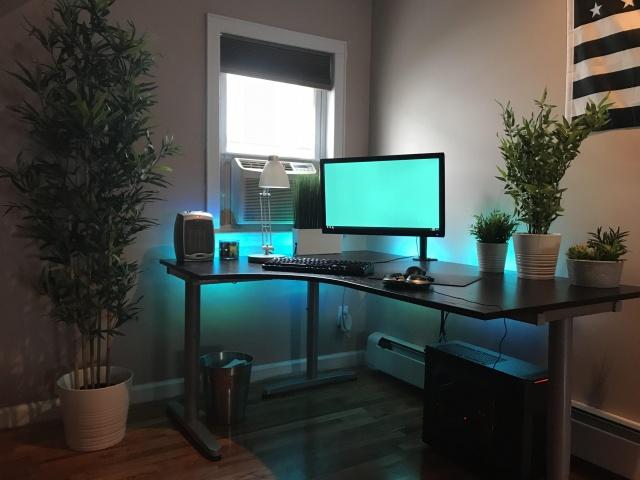 PC_Desk_141_48.jpg
