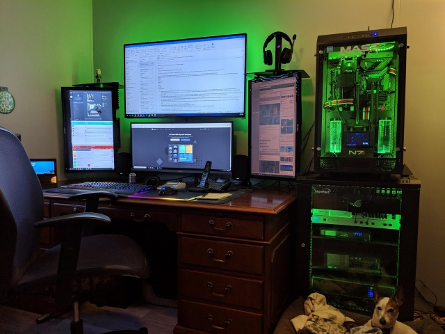 PC_Desk_141_52.jpg