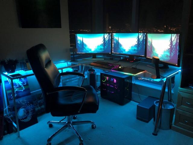 PC_Desk_141_53.jpg