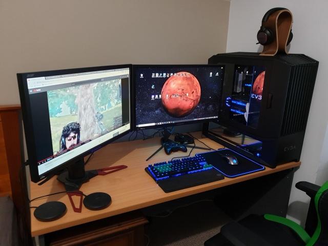 PC_Desk_141_65.jpg