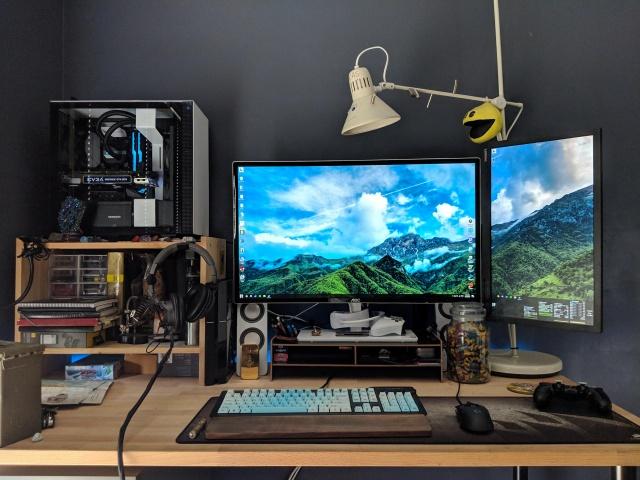 PC_Desk_141_75.jpg