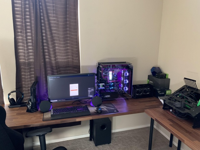 PC_Desk_141_78.jpg