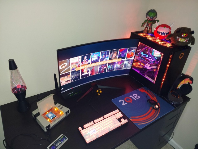 PC_Desk_141_94.jpg