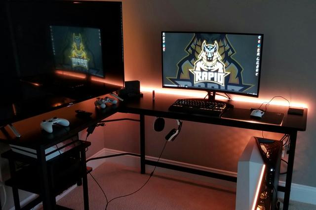 PC_Desk_142_29.jpg