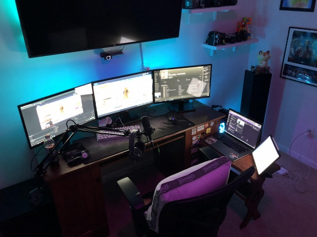 PC_Desk_142_52.jpg