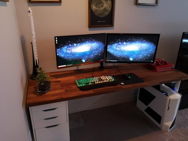 PC_Desk_142_61.jpg