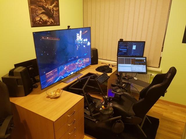 PC_Desk_142_71.jpg