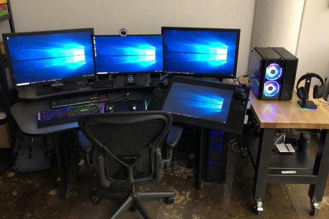 PC_Desk_142_72.jpg