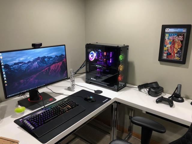PC_Desk_143_04.jpg
