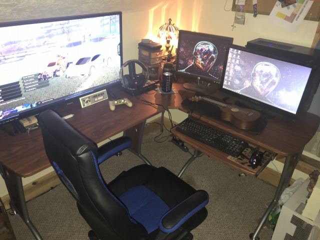 PC_Desk_143_13.jpg