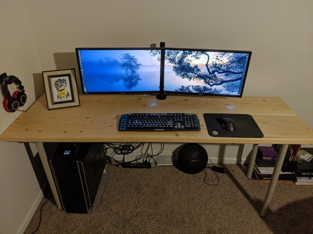 PC_Desk_143_22.jpg