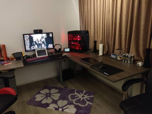 PC_Desk_143_24.jpg