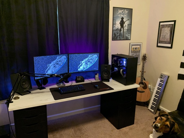 PC_Desk_143_26.jpg