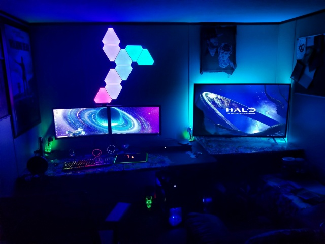 PC_Desk_143_42.jpg