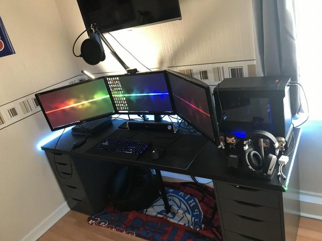 PC_Desk_143_44.jpg