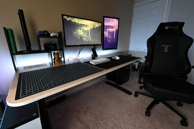 PC_Desk_143_53.jpg