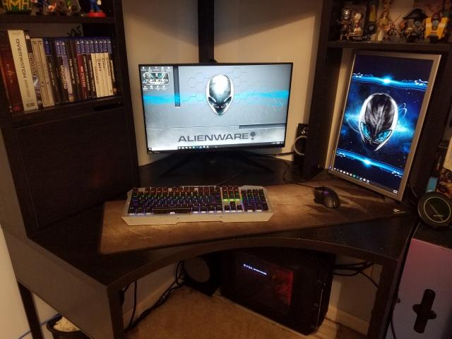 PC_Desk_143_83.jpg