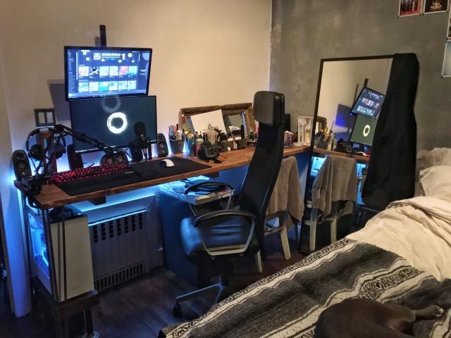 PC_Desk_143_89.jpg