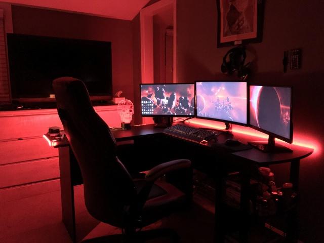 PC_Desk_143_98.jpg