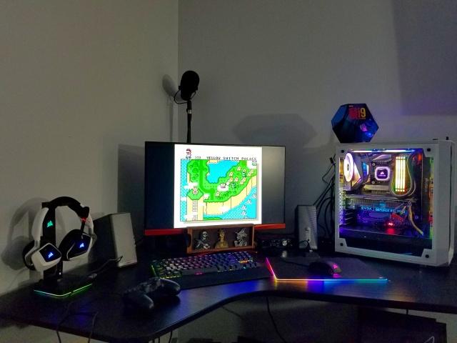 PC_Desk_144_09.jpg