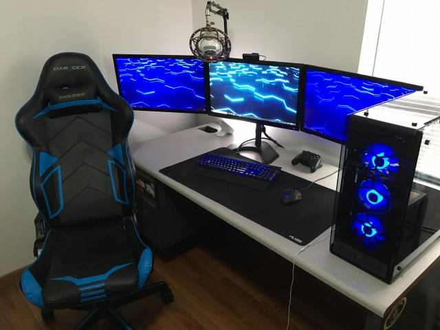 PC_Desk_144_10.jpg