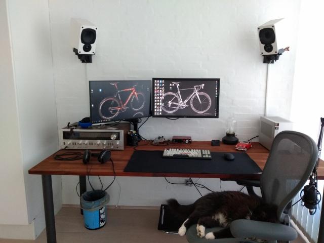 PC_Desk_144_15.jpg