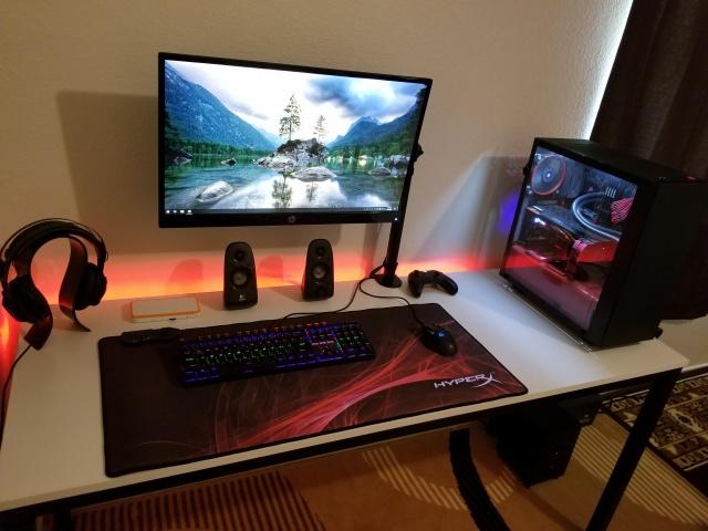 PC_Desk_144_23.jpg