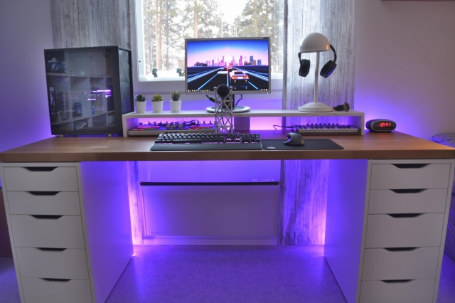 PC_Desk_144_26.jpg